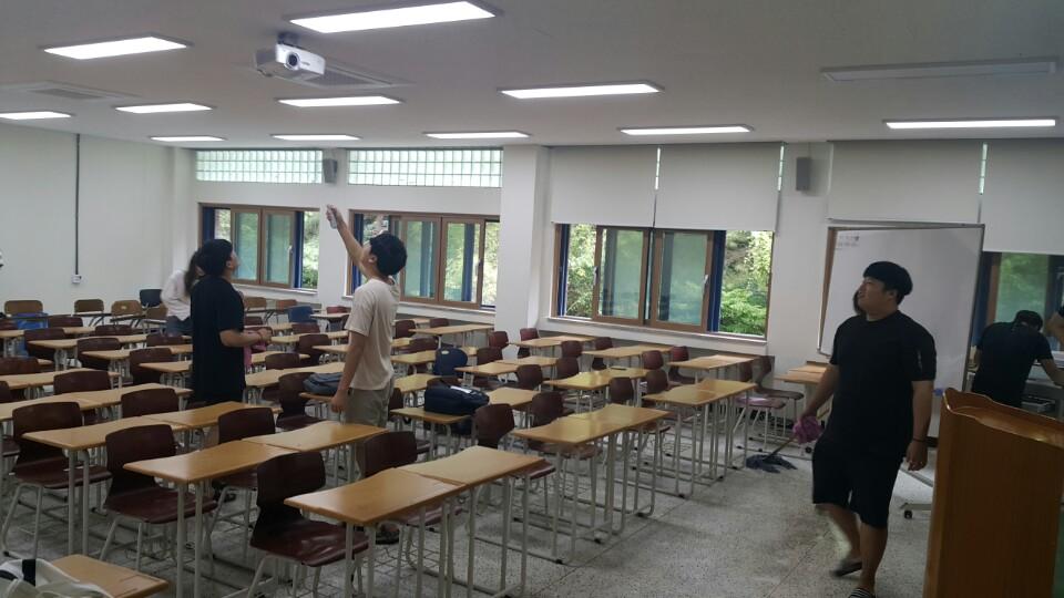 학생회 강의동 청소봉사