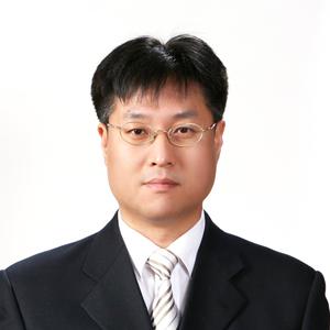 윤철호 교수 사진