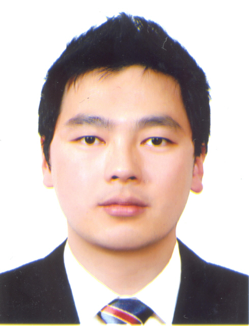 김대건 교수 사진